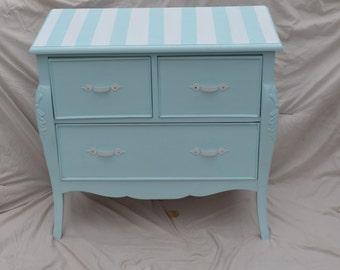 Vintage Dresser (Refurbished)