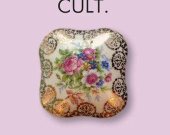Flower dish of porcelain