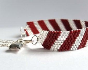 Beaded bracelet - Peyote woven cuff - Red crystal