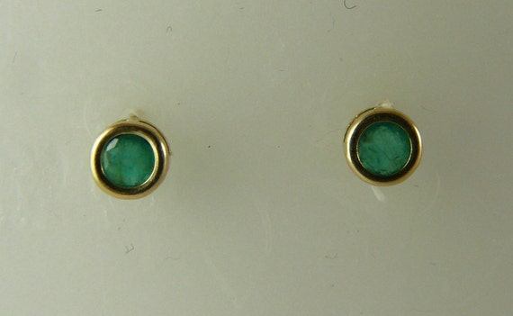 Emerald 0.56ct Stud Earring, Green, Round, 14k Yellow Gold Post and Push Back