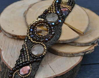 Bracelet bead embroidery in brown/gold tones, learning back