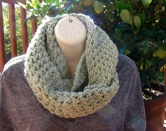 Frosty Green Infinity Scarf, Circle Scarf, Fall Scarf, Warm, Scarf, Women's Scarf, Green, Light Green