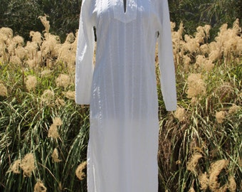 vintage cotton white caftan dress with hood