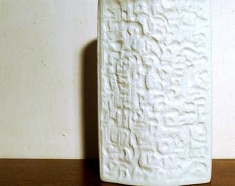 Matt-White Hutschenreuther porcelain vase, design H. Schwahn 6187, porcelain, white