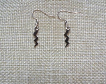 Harry Potter*** Lightning Bolt Scar Symbol dangle/drop earrings... with a FREE gift bag! Perfect 'Harry Potter' gift or treat...