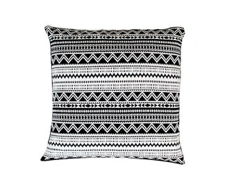 White pillow,Decorative pillow cover,black pillow,pillow sham,Cushion cover,pillow cover,home decor,throw pillow,Any Size,handmade pillow