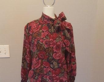 Vtg. 2 Piece Skirt Set size 4