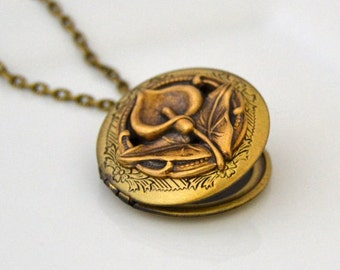 Art Nouveau Locket, Photo Locket, Art Locket, Vintage Style Locket, Photo Locket