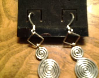 Cool spiral design earrings