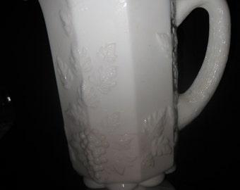milk gkass pitcher
