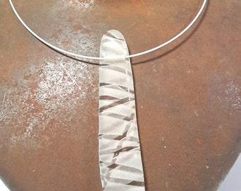 Long Pebble pendant necklace