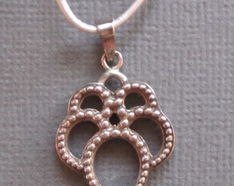 Sterling pendant necklace with graduated beading
