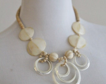 Vintage 70s Hippy Boho Beach Shell MOP Mother of Pearl Necklace FREE SHIPPING