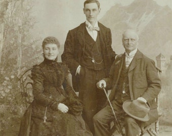 1890s cabinet card photograph, Swiss, old family group photo, Hirsbrunner, Luzern / Lucerne, Victorian fashion, antique studio portrait