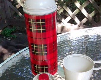 Vintage plaid thermos / tartan Thermos with cup