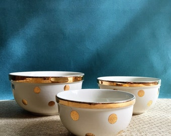 Set of 3 Hall's Superior Quality Kitchenware Nesting Bowls in Gold Polka Dot Pattern