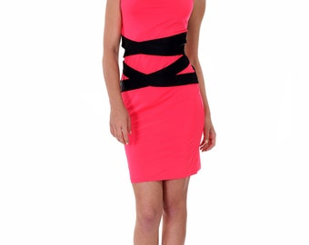 Short coral dress with black bands at the waist and back