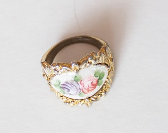 Vintage Gold Toned Ring with Rose Pattern Enamel