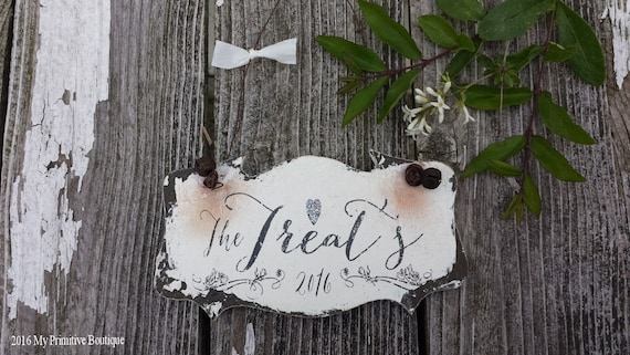 PERSONALIZED CHRISTMAS ORNAMENT | Personalized with Family Name | Holiday Ornament | Custom Wooden Ornament | Shabby Chic Christmas Decor