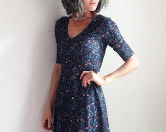 Blue Floral Paisley Fall V-neck Dress Spicy Toast stretchy 3/4 sleeve