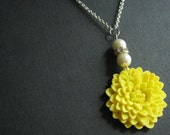 Pendant Necklace,Yellow Flower Necklace,Yellow Necklace,Ivory Pearl Necklace,Pearl Necklace,Wedding Necklace,Bridesmaid Jewelry Set,Gift