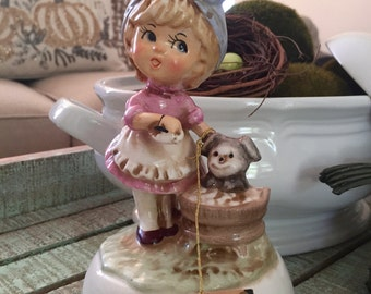 """Schmid Music Box Little Girl Giving Her Dog A Bath Plays """"Both Sides, Now"""" Original Tag Still Attached TYCAALAK"""