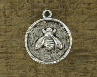 Bee Charm Bee Pendant Antique Silver Round Bee Charm Bee Medallion Honey Bee Bumblebee Charms |NU1-4|1 XN