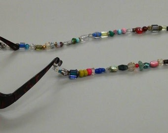 Eyeglass lariat/ necklace OOAK handcrafted from vintage and new beads