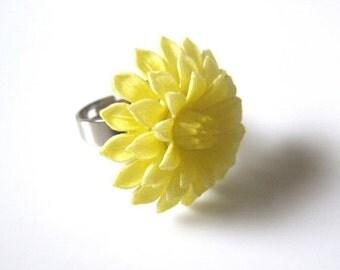 Dahlia Ring, Flower Ring, Vintage Ring,Yellow Ring,Vintage Yellow Dahlia Ring