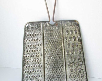 Vintage 1940's 3 Panel Tin Cheese, Food Long Handled Patent  Grater, Gadget Master No 8, Kitchen Use or Wall, Baking, Old Surface Finish
