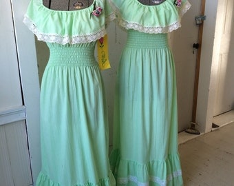 1970s Green Bohemian Hippie Peasant Bridesmaids PEGGY BARKER Maxi Dress off the shoulder Corsage NWT Size Small 5 - 8 Medium