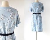 1960s Shift Dress / Flocked Dogwood / Floral Dress / Linen Dress / 60s Dress / XL