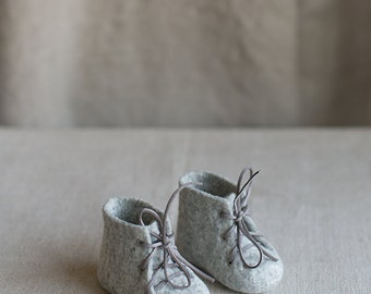 Newborn booties Natural organic merino wool boots Felted unisex eco friendly grey shoes Baby's first gift Baby shower gift laced shoes