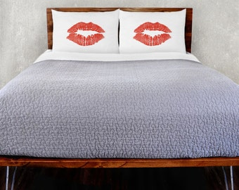 Kiss Pillowcase Set
