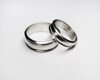 The Definitive Silver Wedding Band Set
