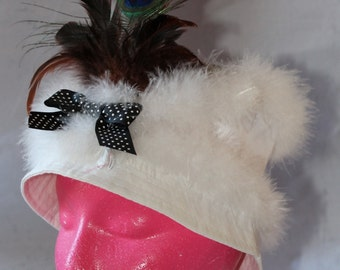 SALE! Vintage Women's White Hat with Fur and Peacock Feathers, 1980's