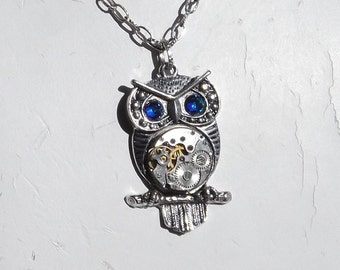 Steampunk Owl Color-Changing Eye Vintage Watch Movement Pendant
