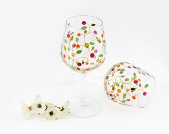 Colorful wine glasses - Set of 2 -  Lydie Collection - Gold vines with orange and pink fruit