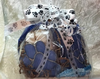 Blue Paw Print Gift Basket in Stained Glass