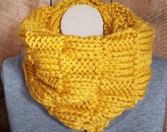 Golden Yellow Cowl, Bohemian Fashion, Winter Scarf, Knit Scarf, Yellow Cowl, Hand Knit Cowl, Boho Chic, Chunky Knit, bailybelle