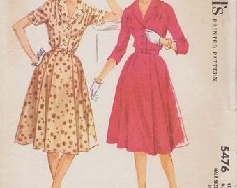 McCalls 5476 / Vintage Half Size Sewing Pattern / Dress / Bust 37
