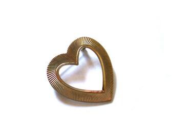 Vintage Gold Tone Heart Pin Brooch, Sunburst Pattern, Mid Century, Virgin Pin, VisionsOfOlde