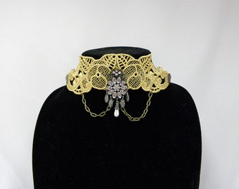 Golden lace choker