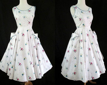 CLEARANCE Adorable 1950's Cotton Novelty Print Sundress Rockabilly Vintage Day Dress Rockabilly VLV Pinup Girl Size-X-Small