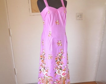 LAST CHANCE SALE...Vintage Sundress, Sheath Dress, Orchid Purple Floral, Size Medium to Large Waist 32, Tropical, Hawaiian