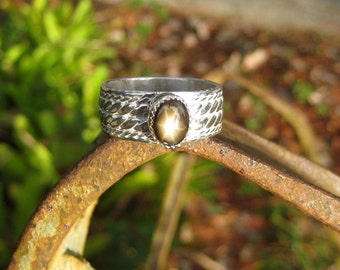 Star Sapphire (BLACK) in Hefty Sterling Silver Ring (~size 9.75)