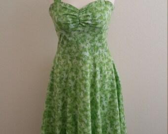 1970s  Cotton Sundress, Green and White, Empire Waist, Sweetheart Neckline, Side Zipper Size S/M, #59586