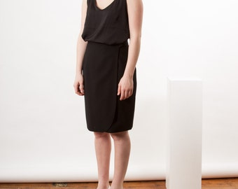 Black Tulip Wool Skirt /  High Waisted Mini Skirt / Pencil Vintage Skirt