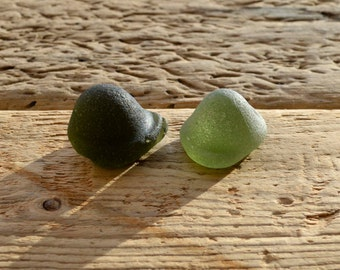 GREEN KICKUP PAIR - Scottish Sea Glass - Jewelry Supplies (4082)