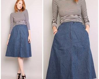 1970s Denim Skirt / A-Line Flare Skirt / Chambray Cotton Knee Length Skirt / Small